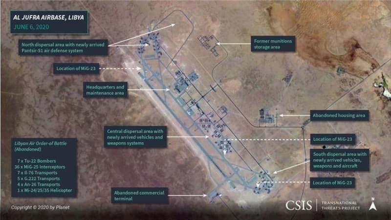 <p>Milliyet'in haberine göre, CSIS uzmanları, El Cufra hava üssünde 6 Haziran'da çekilen fotoğraf öncesinde Mayıs ortasında hareketliliğin başladığını, üssün kuzeyine konuşlandırılan Pantsir-S1 hava savunma sistemlerinin çoğunun Türk insansız hava araçları (SİHA) tarafından imha edildiğini hatırlatıyor. Hava üssünde yeni silahlar, araçlar, çadırlar ve MiG-29'lar için inşa edilen hangarlar dikkat çekiyor.</p>