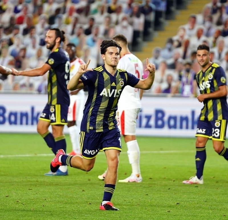 pFutbol yorumculuðu yapan Rýdvan Dilmen, devre arasýnda Ferdiyle ilgili; 'Fenerbahçeliler bu akþamdan itibaren Ferdi Kadýoðlu'nu konuþacak./p