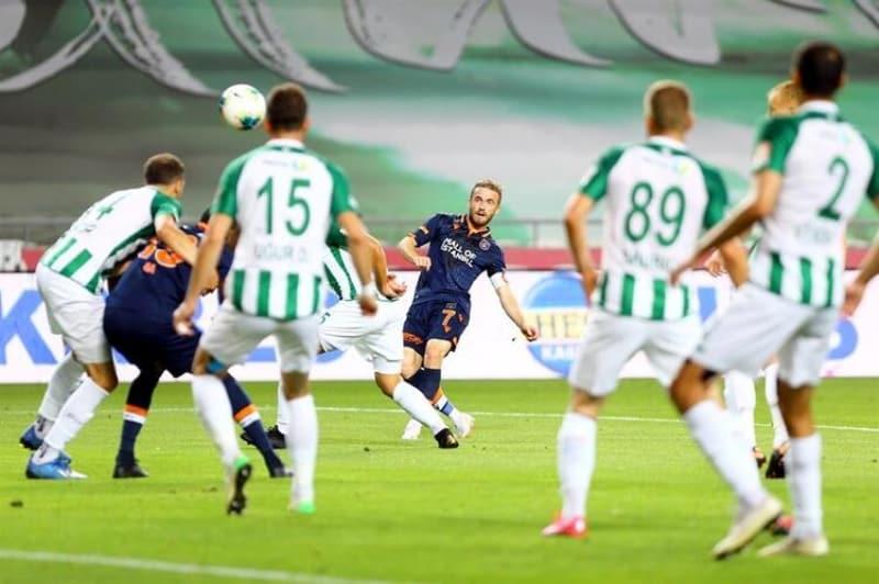 p32. haftada lider Baþakþehir deplasmanda Konyaspor ile karþýlaþýrken, takipçisi Trabzonspor ise Denizlispor'a konuk oldu./p