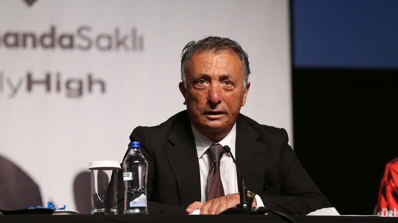 <p>Bu konuyla ilgili olarak Beşiktaş Başkanı Ahmet Nur Çebi, önceki gün yapılan tanıtım toplantısında <b>'Sadece bir santrfor alamadık. Onu da Ocak ayında tamamlayacağız'</b> diyerek ara transfer döneminde yeni bir santrforun sözünü verdi.</p>