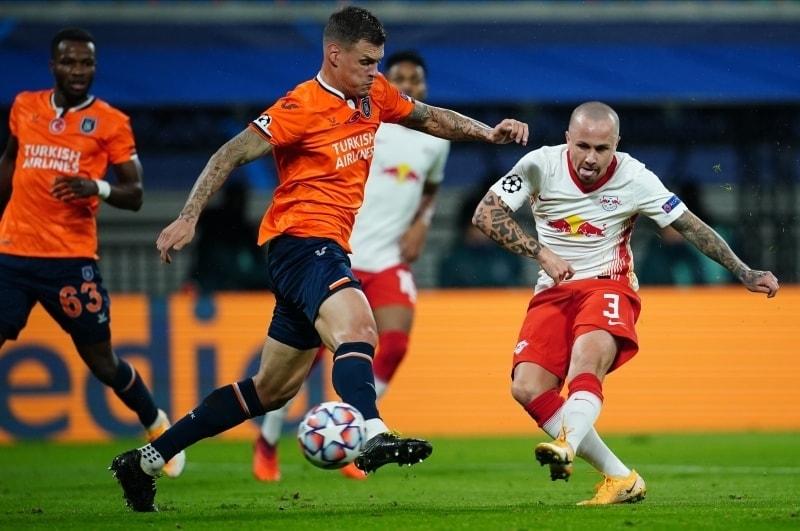 pManchester City, 23 yaşındaki futbolcuyu 2016 yazında PSV'den 12 milyon euroya transfer etmişti. Ancak Pep Guardiola, genç sol beki Leipzig'e göndermişti./p