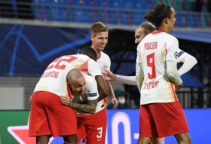 p23 yaşındaki sol bek 16 ve 20'de takımının 2 golünü atarak Alman ekibine 4 dakika içinde 2-0'lık üstünlüğü getirdi./ppbr/p