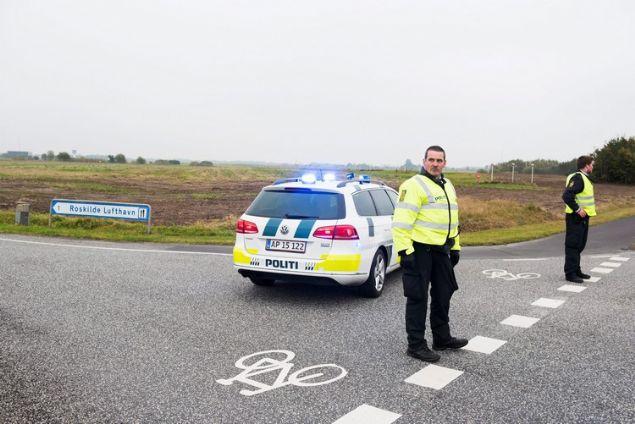 <div>  Bomba ihbarı üzerine boşaltılan Roskilde ve Århus Havalimanları bomba uzmanlarının araştırmasından sonra tekrardan trafiğe açıldı.</div>
