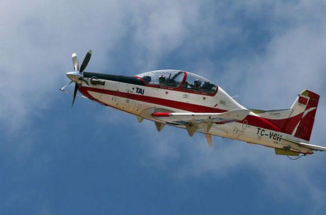 Türk Başlangıç ve Temel Eğitim Uçağı Geliştirme (HÜRKUŞ) Projesi kapsamında TC-VCH kuyruk numaralı birinci prototip uçağı kabul testini geçti