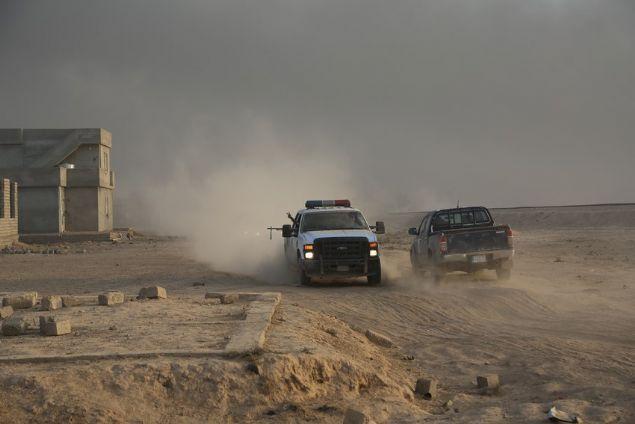 Irak ordusu, terör örgütü DEAŞ'ın elinde tuttuğu Musul'u kurtarma operasyonu çerçevesinde, kentin güneyinde yer alan 2 köyü daha kurtardı.
