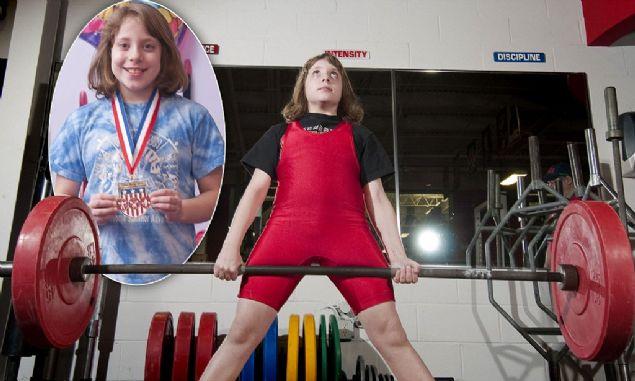 Naomi Kutin: Çevresinde 'Süper Kız' lakaplı Naomi Kutin vücudunun 2 katı ağırlık kaldırarak dikkatleri üzerine çeken bir diğer çocuk. 10 yaşında kendi ağırlığının tam 2 katını kaldırmıştır.