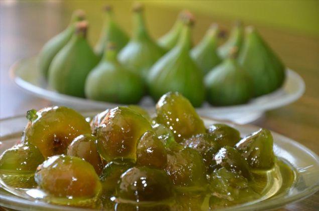 <p>  İşletmeci Tokay Cenger, incirlerin d&ouml;llenmesi ve olgunlaşması i&ccedil;in kullanılan ilekin son zamanlarda re&ccedil;el yapımında kullanılmaya başlandığını anlattı.</p>