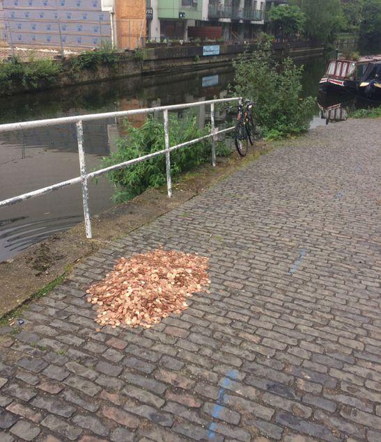 Londra'da yapılan bir sosyal deney ortaya çok ilginç görüntüler çıkardı.
