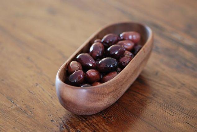 Sofralarının baş tacı siyah ve yeşil zeytini sadece kahvaltıda tüketmiyoruz.