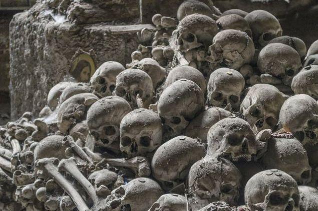 İtalya'da bulunan, 1600'lü yıllara kadar kullanılan gizli mezarlar tekrar gündemde.