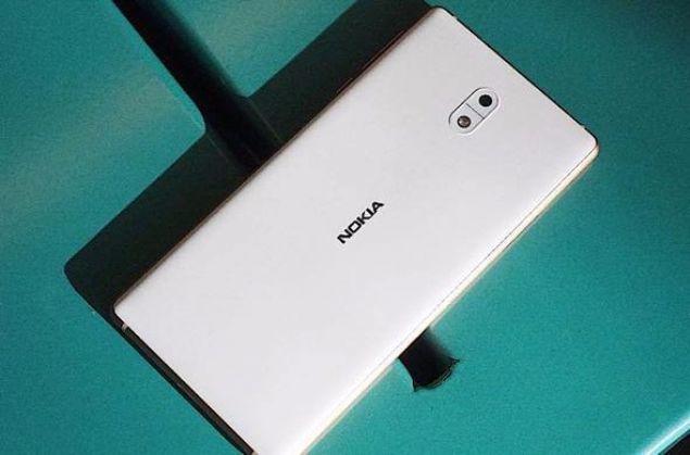 Nokia 3  Nokia 3310'u saymazsak Nokia'nın çıkardığı en ucuz akıllı telefon denilebilir. Fiyatı 949 TL!