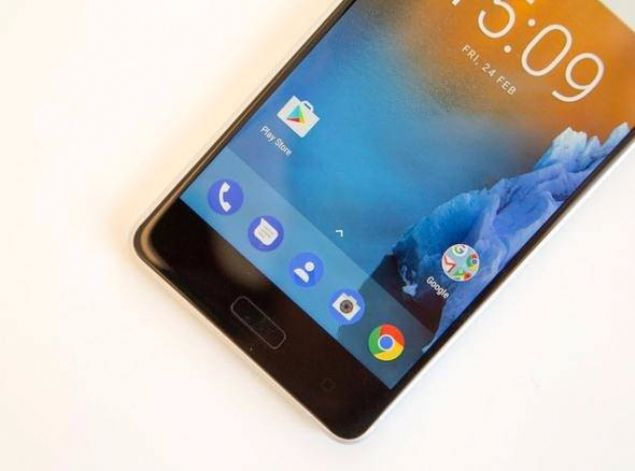 Ön yüzünde 8 MP, arka yüzünde ise 13 MP kamera bulunduran Nokia 5, Android 7.0 Nougat işletim sistemiyle beraber geliyor.