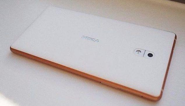 Vodafone ve Nokia arasında yapılan anlaşma kapsamında, yeni Nokia modelleri ilk 3 ay boyunca sadece Vodafone'da satılacak.