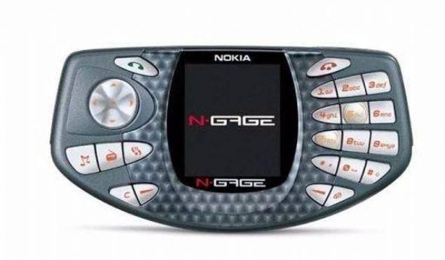 Nokia N-Gage  Nokia'nın 2003 yılında satışa sunulan ve tamamen oyun tutkunlarına özel olarak tasarlanan N-Gage model telefonu da sıradışı bir tasarıma sahipti.