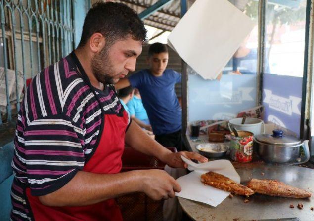 Adana'da 'ütü tost' kuyruğu