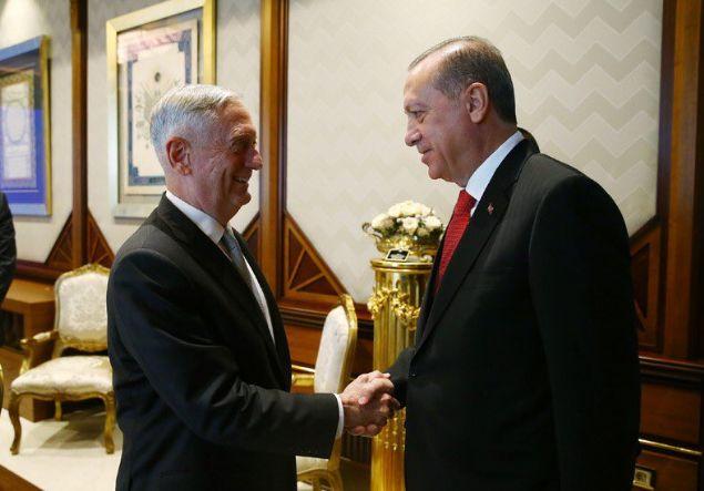 Cumhurbaşkanı Recep Tayyip Erdoğan, ABD Savunma Bakanı James Mattis'i kabul etti.