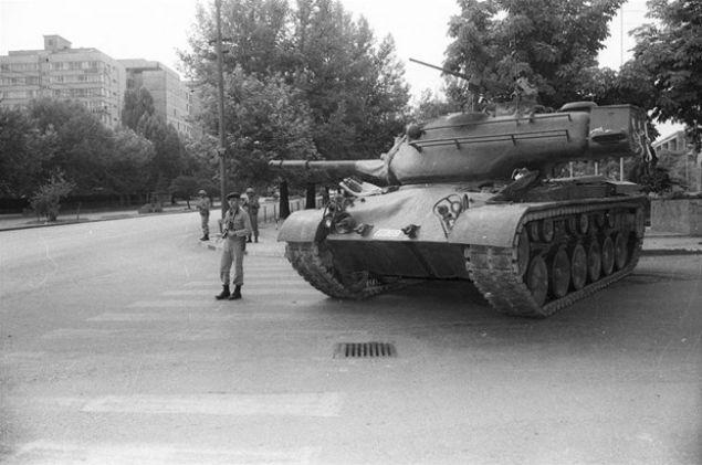 Türk Silahlı Kuvvetleri'nin Genelkurmay Başkanı Orgeneral Kenan Evren başkanlığında gerçekleştirdiği 12 Eylül darbesi ile Türkiye Cumhuriyeti, 27 Mayıs 1960 darbesi ve 12 Mart 1971 muhtırasının ardından silahlı kuvvetlerin yönetime üçüncü müdahalesini yaşamıştı. Darbenin üzerinden tam 37 yıl geçti.