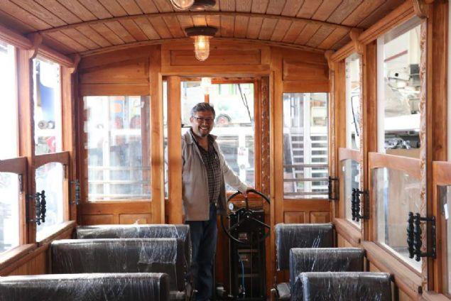 Girişimci bir Türk yenilenebilir enerji sistemiyle donattığı nostaljik tramvaylar üretim Türkiye ve dünyaya satıyor.
