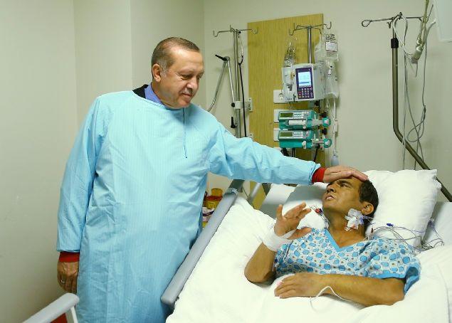 Dün saat 15:00'da hayatını kaybeden ünlü halterci Naim Süleymanoğlu tüm Türkiye'yi yasa boğdu.