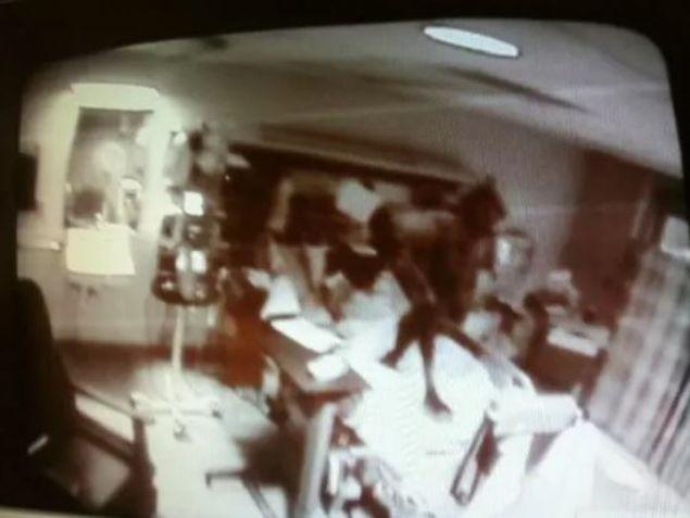 Nöbetçi hemşirenin bilgisayardaki bu görüntü hastahane yetkililerini şoke etti. Bu yaratığın çekildiği yerdeki hastanın hayatını kaybettiği öğrenildi. İşte birbirinden çarpıcı paranormal olaylar....