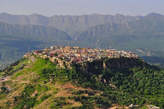 Tarihi Asur dönemine dayanan Amediye Şehri'nin her yeri tarih kokuyor.