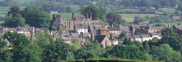 Hay-on-Wye, İngiliz sınırına bitişik olan Galler'deki Wye nehri kıyısındaki küçük bir kasabadır.