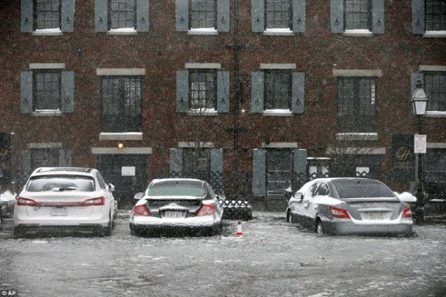 Ülkeyi etkisi altına alan dondurucu soğuklar nedeniyle son bir haftada 17 kişinin hayatını kaybettiği belirtiliyor.