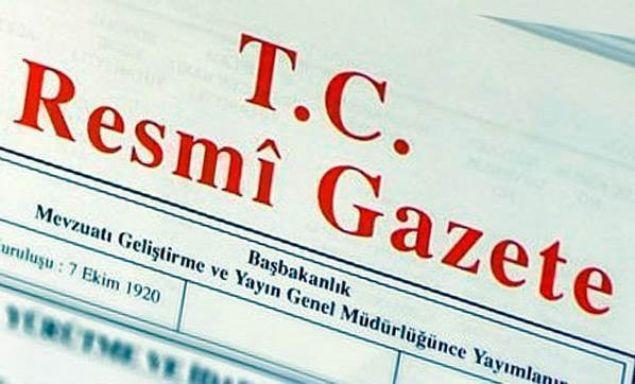 Yeni KHK yayınlandı. OHAL kapsamında kamu görevinden çıkarılanlar ve göreve iade edilenlere ilişkin listelerin de bulunduğu 697 sayılı KHK, 'Resmi Gazete'de yayımlandı. İşte Resmi Gazete'de yer alan ihraç ve iade listeleri