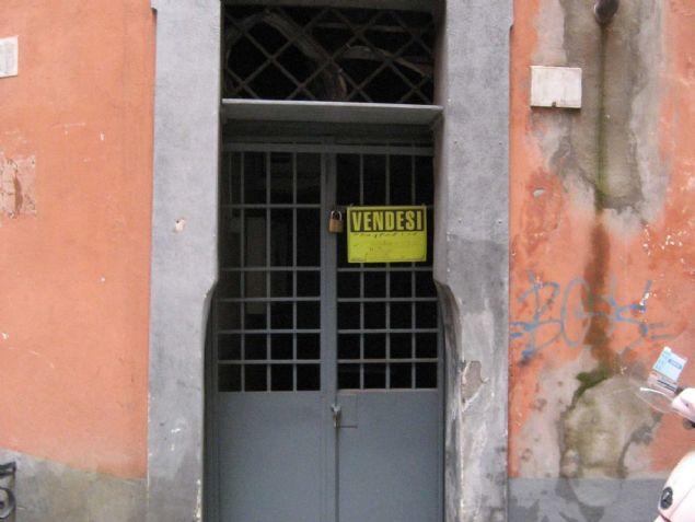 İtalyan tasarımcı Marco Pierazzi'nin Roma'da yaşadığı 7 metrekarelik ev, görenleri şaşkına çeviriyor.