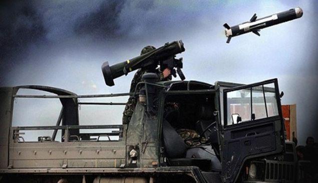 """ABD Dışişleri Bakanı Rex Tillerson, """"ABD hiçbir zaman YPG'ye ağır silah vermedi. Bu yüzden geri alınacak şey yok' dedi. Ancak gerçekler ve ABD'nin daha önceki resmi açıklamaları Tillerson'u fena halde yalanlıyor... İşte ABD'nin PYD'ye verdiği ağır silahlar..."""