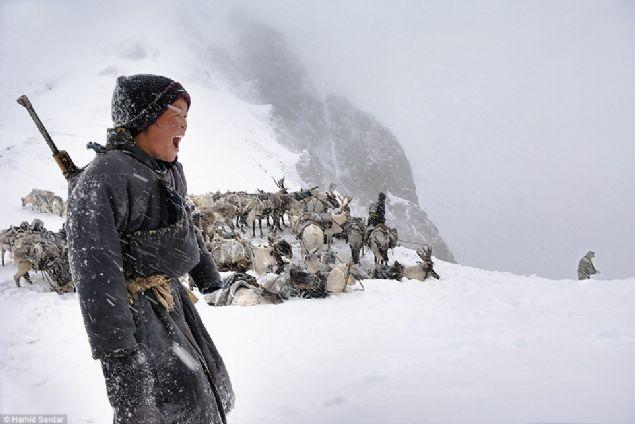 Moğolistan'ın muhteşem engebeli manzarası ve göçebe hayatı hayran bıraktı.