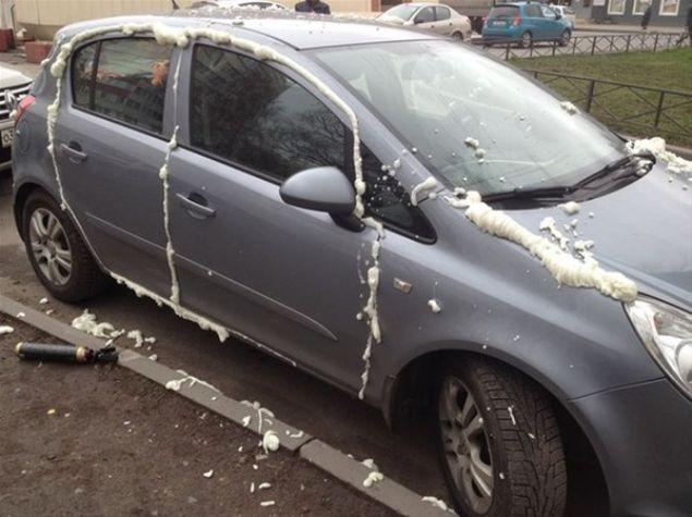 Aracını yanlış yere park edip gidince başına bakın neler geldi.