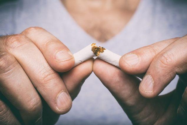 Bilir, ayrıca sigarayı bırakmak isteyenlerin destek alabileceklerini de hatırlatarak, sigara bırakma polikliniklerine başvuru yapılabileceklerini ya da ALO 171 Sigara Bırakma Danışma Hattı'nı arayarak yardım isteyebileceklerini vurguladı. Haber: kadınvekadın