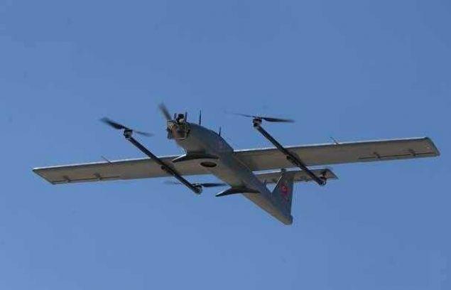 Piste ihtiyaç duymaksızın dikey kalkış-iniş imkanına sahip insansız hava aracı (İHA) 'Çağatay', Gölbaşı'ndaki test uçuşlarının ardından Emniyet Genel Müdürlüğü envanterine girdi.
