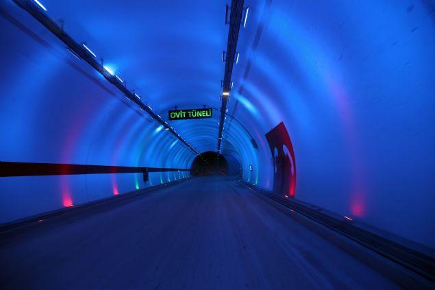 Türkiyenin en uzun tüneli olan Ovit Tüneli hizmete açıldı