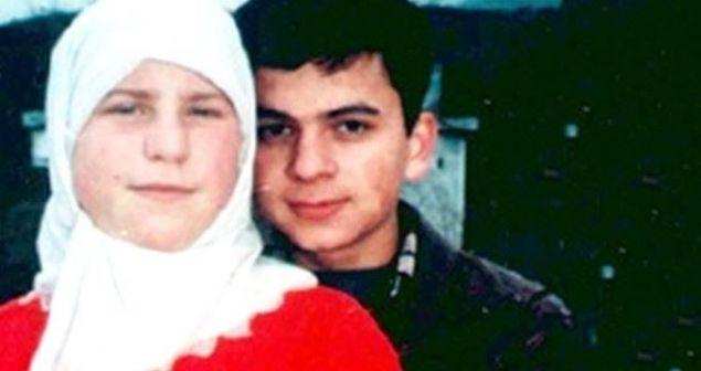 Türk insanının bir dönem dizi takip eder gibi ana haber bültenlerinden takip ettiği büyük aşkın kahramanları Musa ve Sarah şimdi neler yapıyor dersiniz?