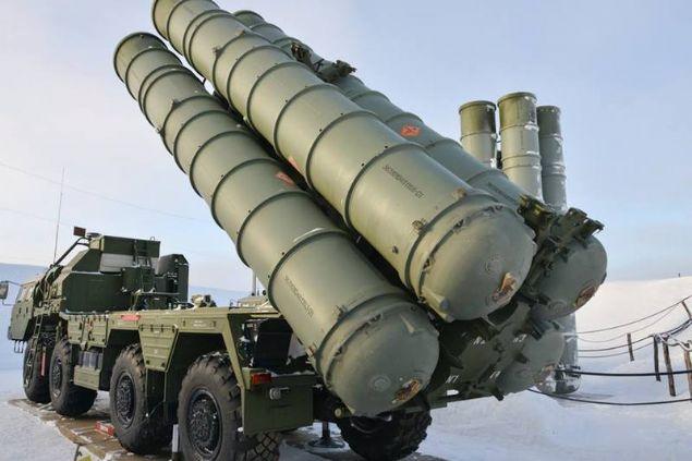 Kaynak: star.com.tr <br> <br>    Abu Dabi'de başlayan IDEX 2019 Savunma Teknolojileri Fuarı'nda 65'ten fazla Rus şirketi, silahlarını sergiliyor.