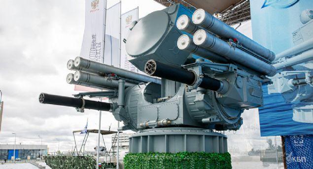 1. TEK SEFERDE 4 HEDEFİ AYNI ANDA VURAN TARET <br>    Pantsir-ME'nin gemilerde kullanılan versiyonu silah, 2 adet altı namlulu silah ve 8 adet füzeyle donatılmış.