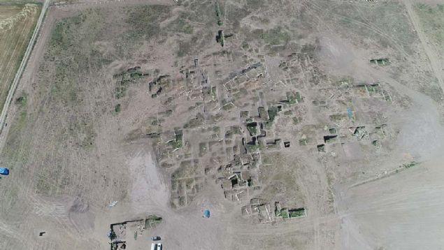 İlk şehir yapılanması ortaya çıkarıldı... 5 bin yıllık