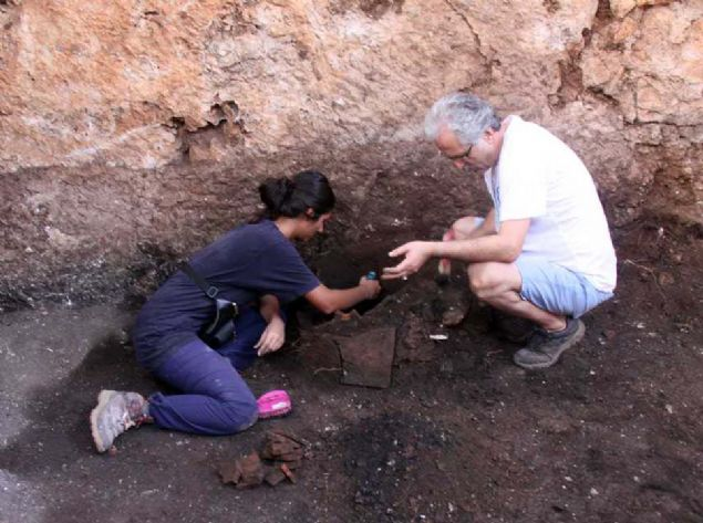 Tehlikeli kara büyü bulundu! Antalya'da şaşırtan keşif
