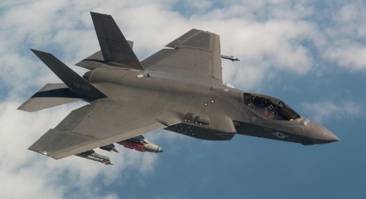 ABD Donanması F-35C'lerin savaşa hazır olduğunu açıkladı