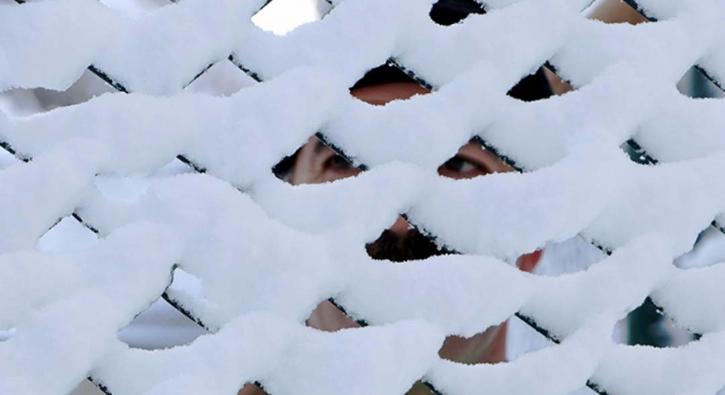 Güne karla uyandılar