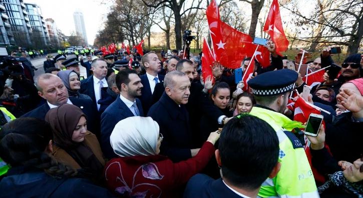 Başkan Erdoğan'a Londra'da sevgi seli...