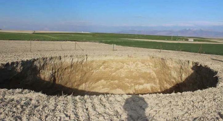 Konya'da 30 metre çapında yeni obruk oluştu