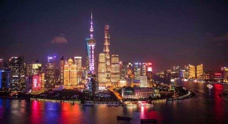 Dünyanın her yerinden büyüleyici gece manzaraları