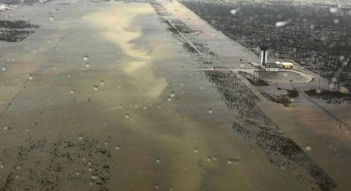Dünya şokta! Koca şehir havalimanıyla birlikte yok oldu