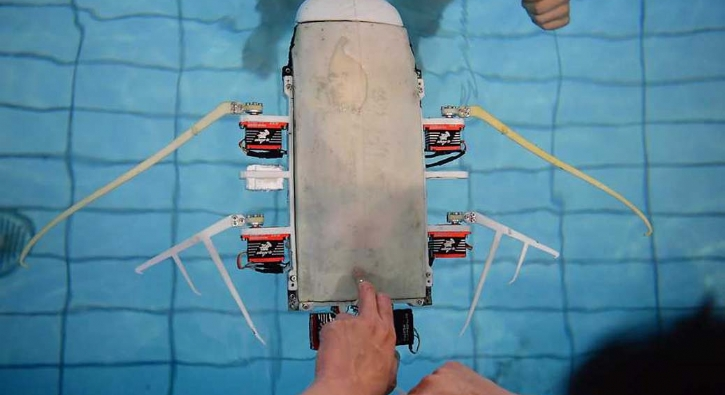 Çin'de ilk kez test edildi! Suyun altında kanatlarını çırparak gidiyor...