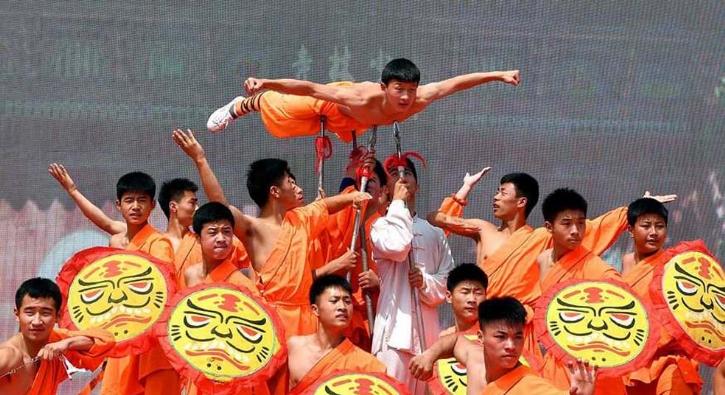 Çin'in esrarengiz sırlarından biri! 6 yaşında gönüllü katılıyorlar...