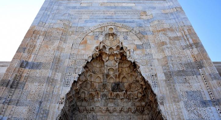 1229 yılında yaptırıldı, askeri üs olarak kullanılıyordu