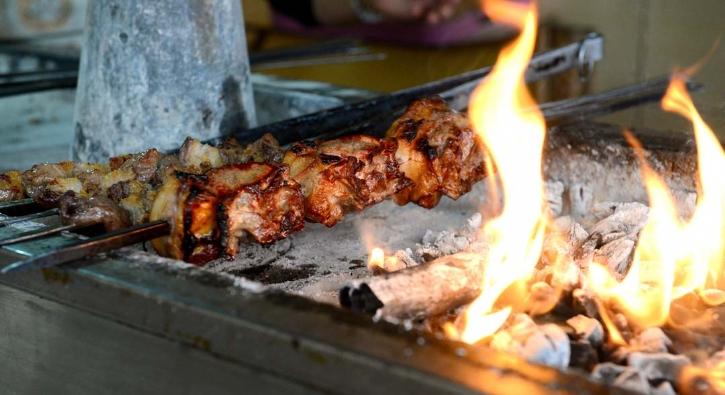 Mangalda 'kartalbaşı' dana steak çılgınlığına rakip oldu
